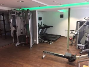 Laufbänder, Crosstrainer und Rudergerät